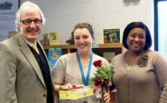 Edward Jones contributes to Oaks Road Elementary